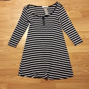 3/4 sleeve navy blue and white button front dress